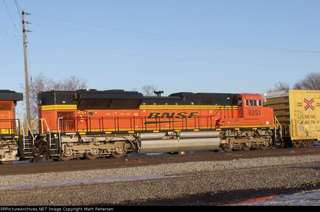BNSF 9251