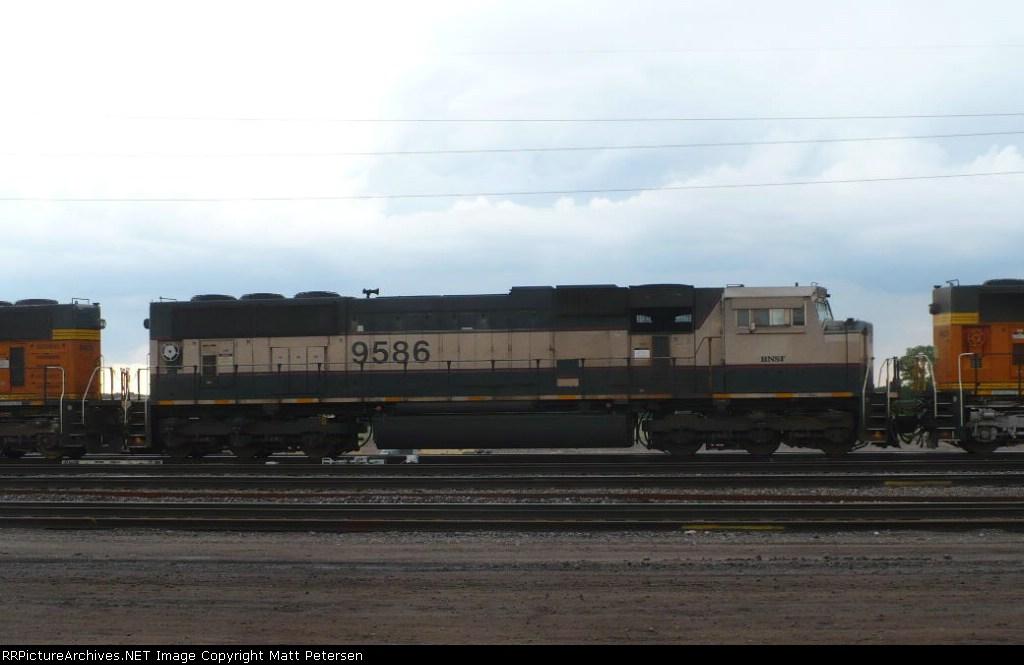 BNSF 9586