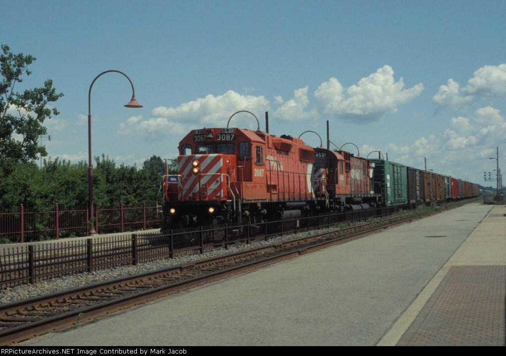 WB freight at Dorval