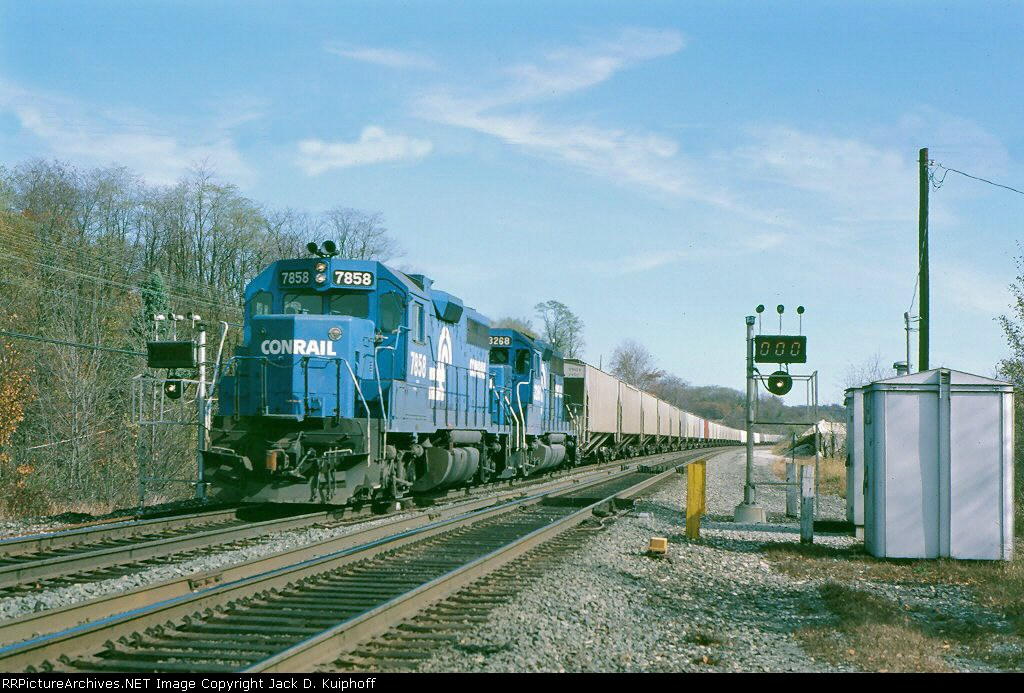 CR 7858 & 3268 are westbound,