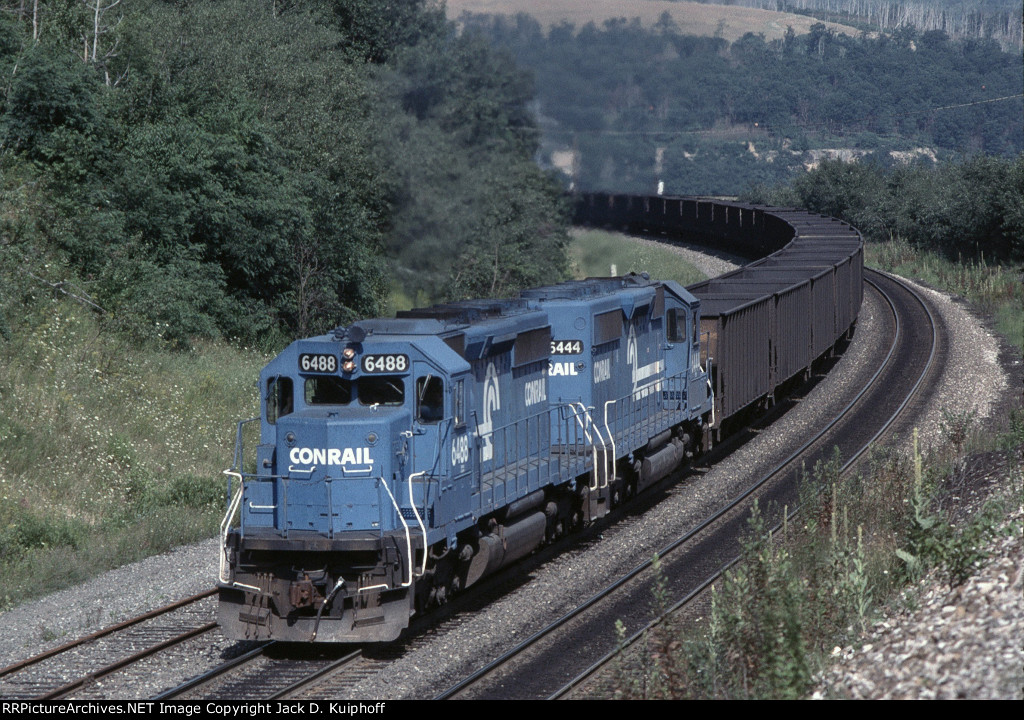 CR 6448-6404 is about to enter the tunnel