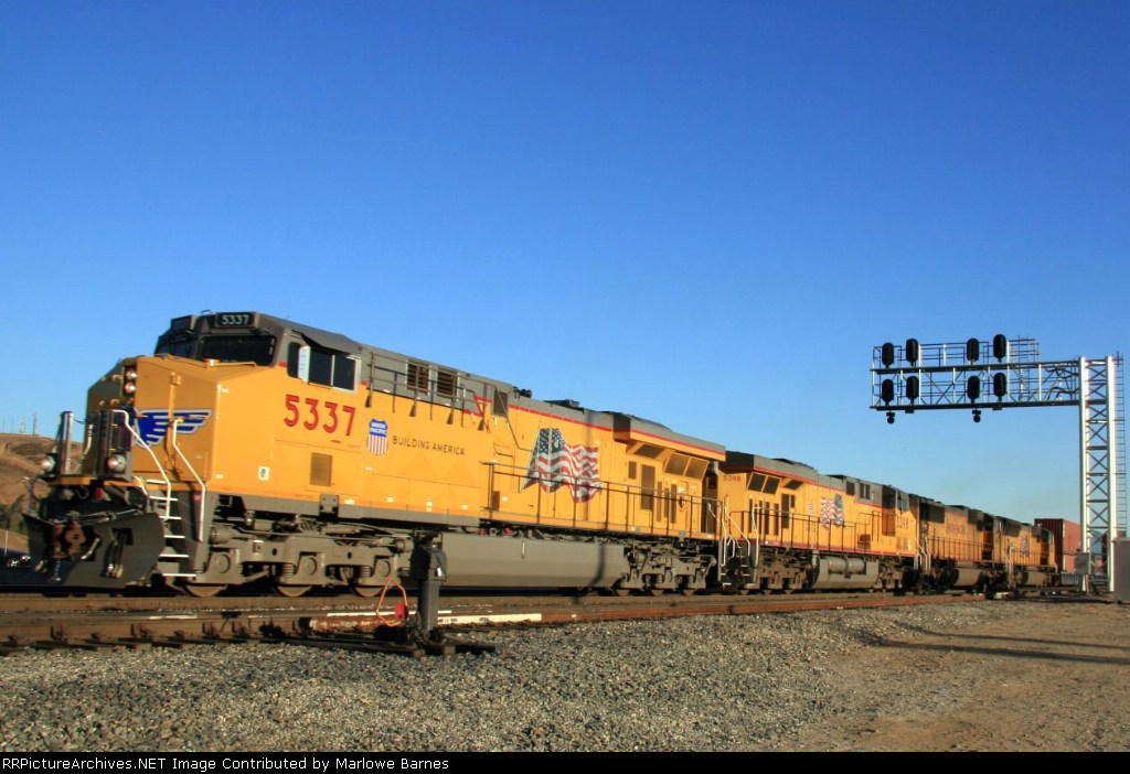UP 5337 leads the charge along Cajon Blvd