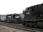 NS 6107 & 9056 meet again