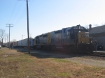 CSX 1500 (GP15T) & 4432 (GP40-2)
