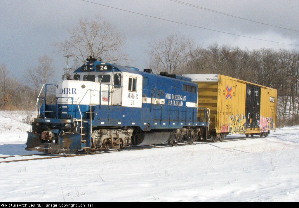 MMRR 24 and one boxcar