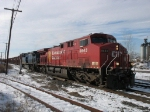 CP 8643 & CEFX 1053 lead X500 out of the yard