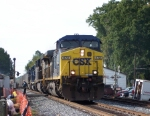 Train U240 passes the Great Locomotive Chase Festival