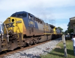 Train U240 passes the Great Locomotive Chase Festival
