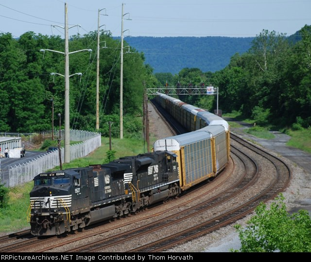 NS 18N is about to pass beneath the Linglestown Road bridge