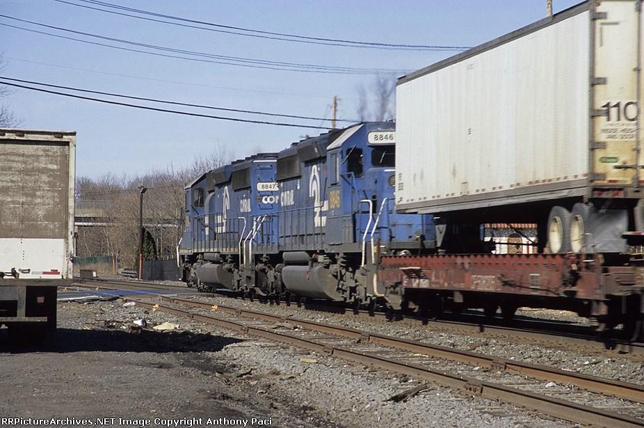 Almost looks like a Conrail intermodal