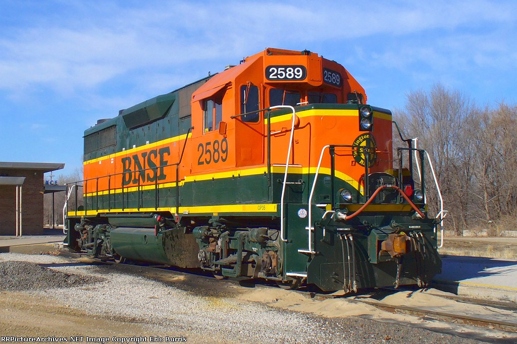 BNSF yard engine