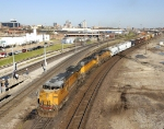 Westbound UP9532 mixed freight
