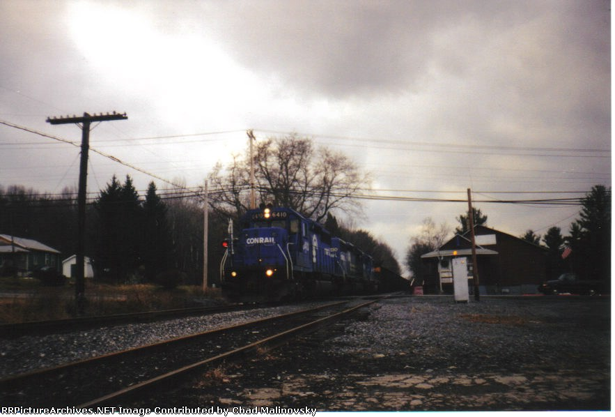 CR 6410 running a PPLX coal train on the NBER