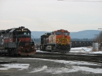 BNSF 5455 and MEC 350
