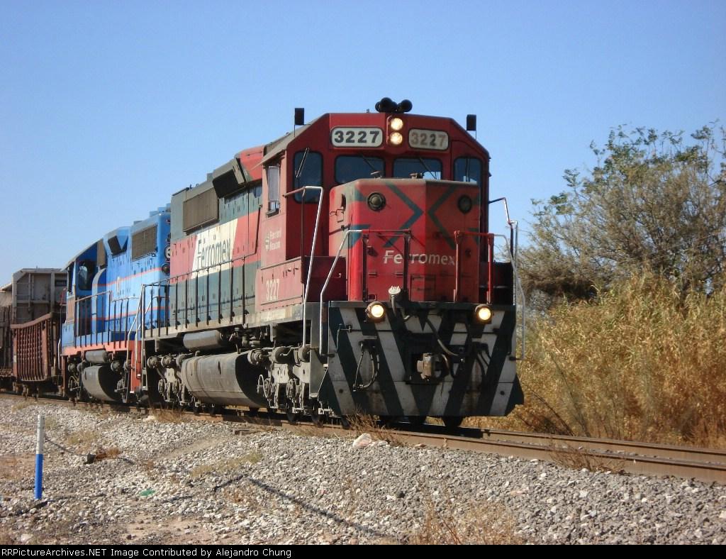 Ferromex SD40-2 3227