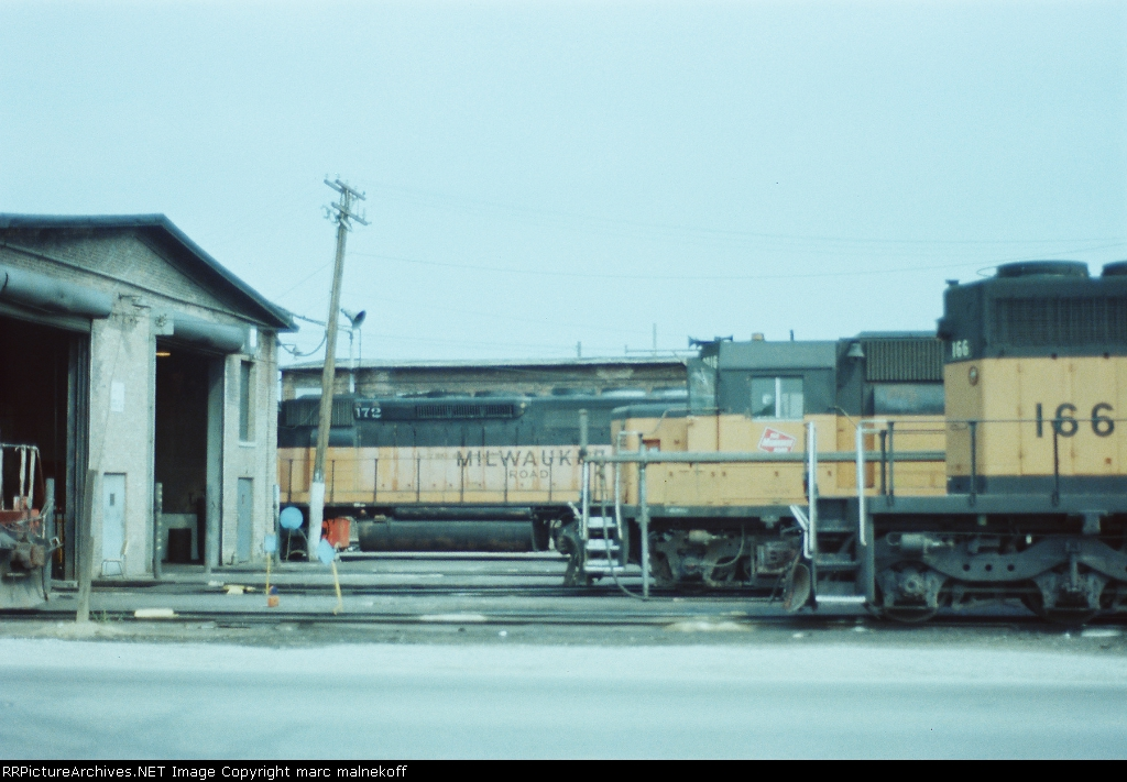 assorted Milw power at Bensenville