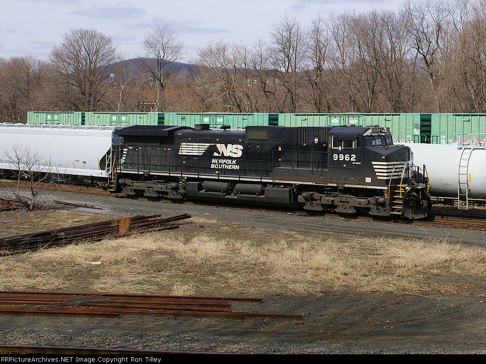 NS 9962 set out cuz it's to darn big