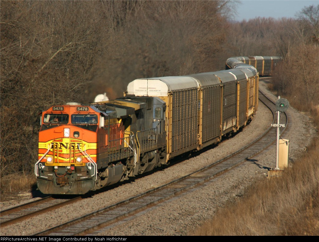 BNSF 5478 with a 'rack train