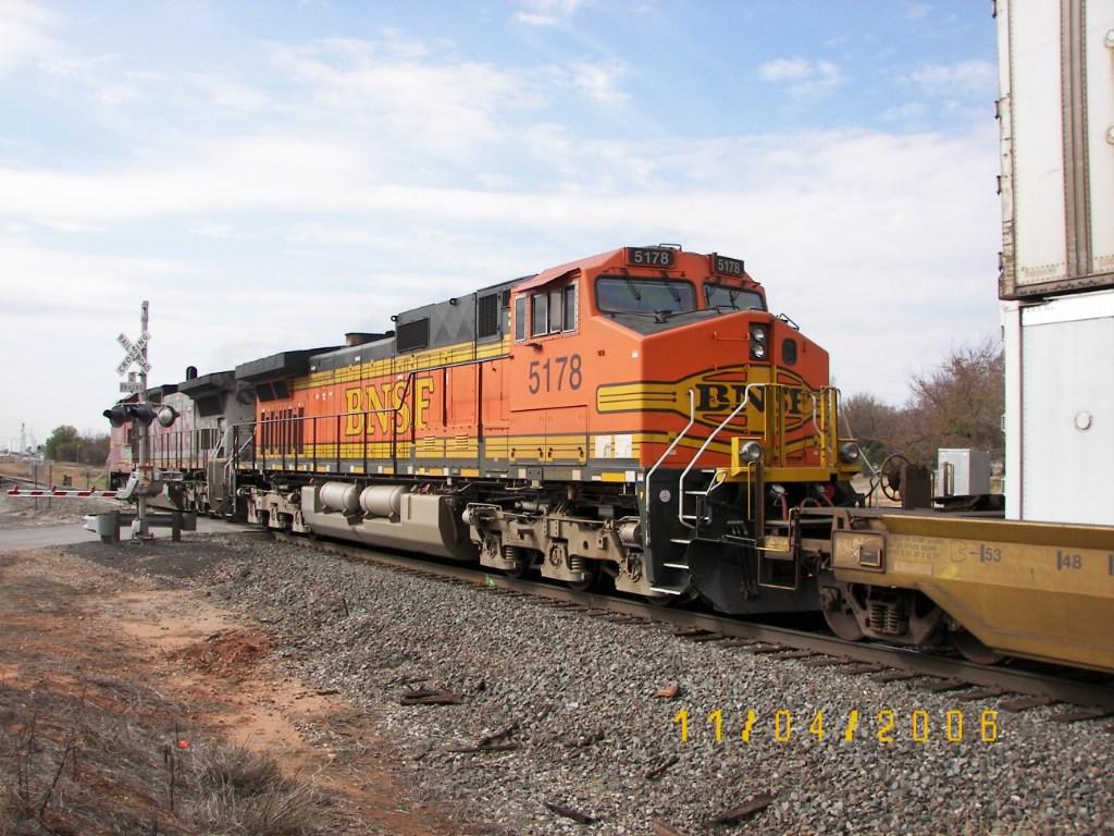 BNSF C44-9W 5178