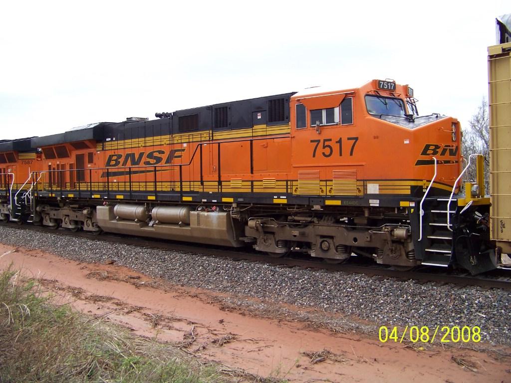 BNSF ES44DC 7517