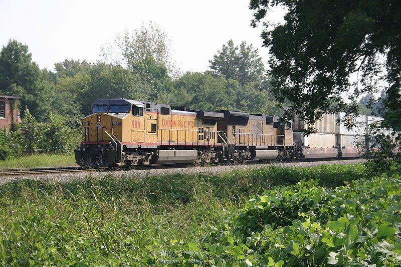 Q194 waits on track 1