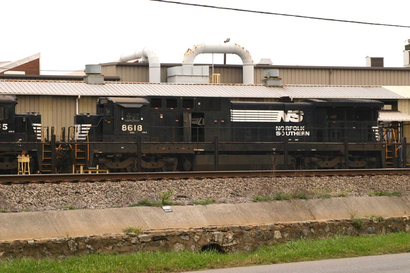 NS 8618 Can't Get a Factory Whiff From This Stack