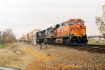 BNSF ES44AC leads an intermodal