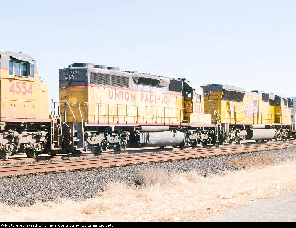 UP 3176 #3 power in WB intermodal at 1:06pm