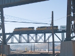 UP 4067 and UP 5142 lead an EB intermodal (w/juice at front) at 9:05am