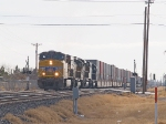 UP 5539 leads a WB intermodal at 10:15am