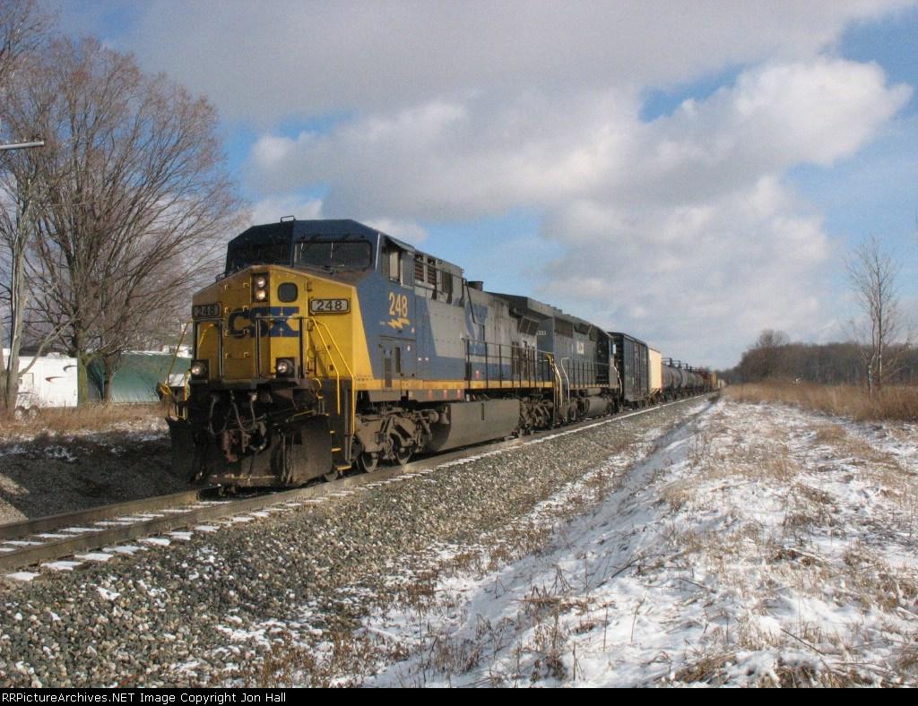 CSX 248 & HLCX 6333 leading Q335