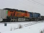 BNSF 5879 & CEFX 1010