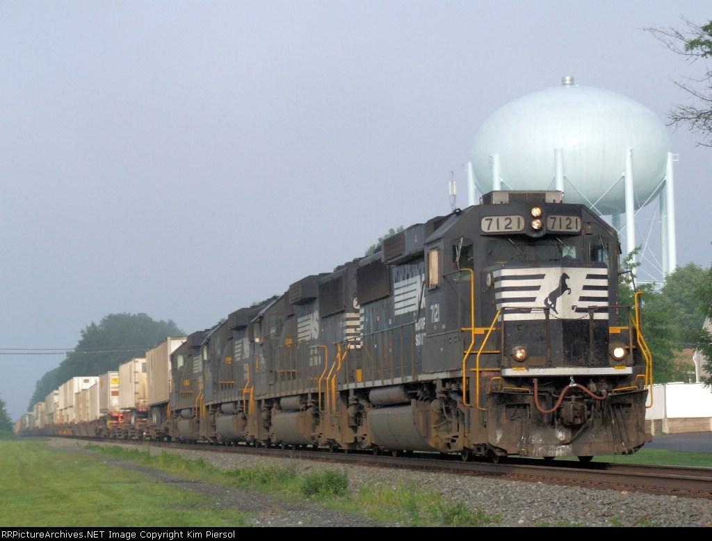 Quartet of NS GP60s on 214