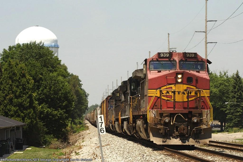 BNSF 939 C40-8W
