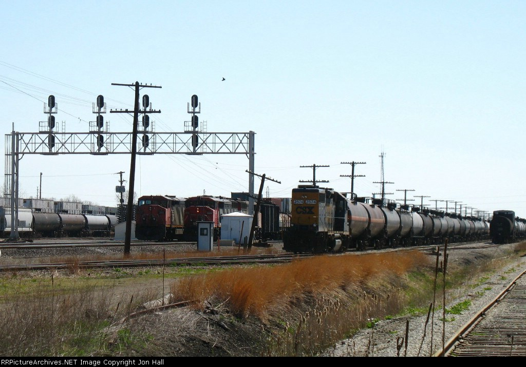 CSX 2574 waiting to go to work as M383 and Q149 wait to go west