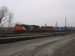 CN 5432, BNSF 6390 & GTW 5936 rolling through the fog