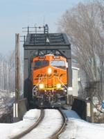 BNSF 6141 coming through the swing bridge