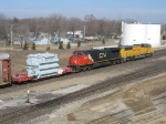High-wide load rolling in behind CN 2578 & UP 2378
