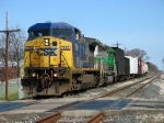 CSX 7895 & FURX 3036 leading Q327-21 down the main