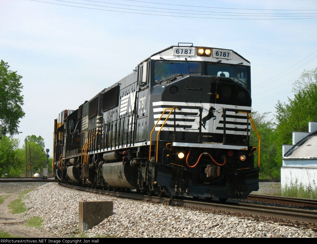 NS 6787 leading 196 over the diamonds