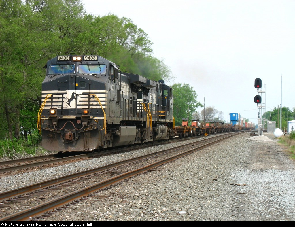 NS 9433 & 9762 rolling through CP358 with 23K