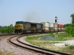 CSX 646 & 620 rolling in with Q159-20