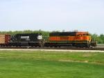 BNSF 6835 & NS 6151