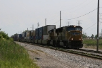 UP 3946 & 4001 leading Q147