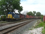CSX 8080 & HLCX 6514 leading three CP units and their grain train towards Western Ave