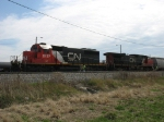 IC 6137 & CN 2553 being recrewed before heading north