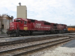 SOO 6055 & CP 9597 pull east from Bensenville Yard with 138 after getting the train together