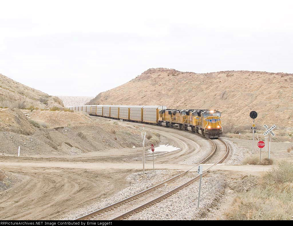 UP 4711 leads an EB autorack at 12:14pm