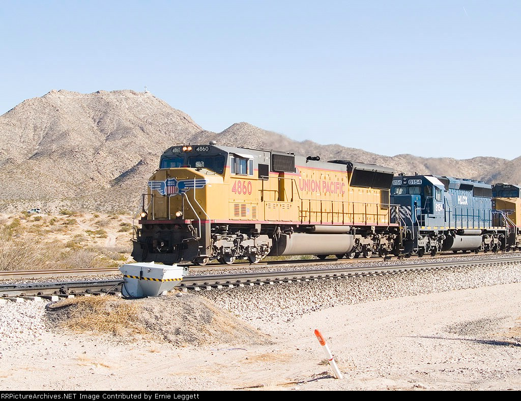 UP 4860 leads in WB intermodal