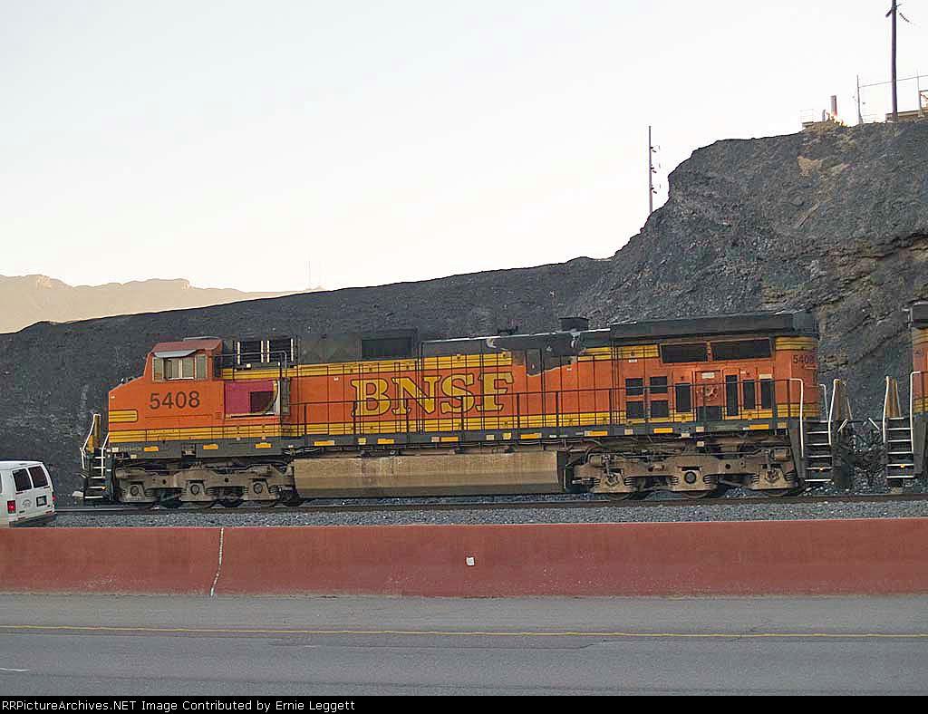 BNSF 5408 lead in an EB coal train at 7:24am crew change